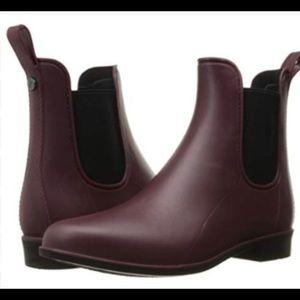 Sam Edelman Tinsley Sangria Matt Rain Boots Size 9